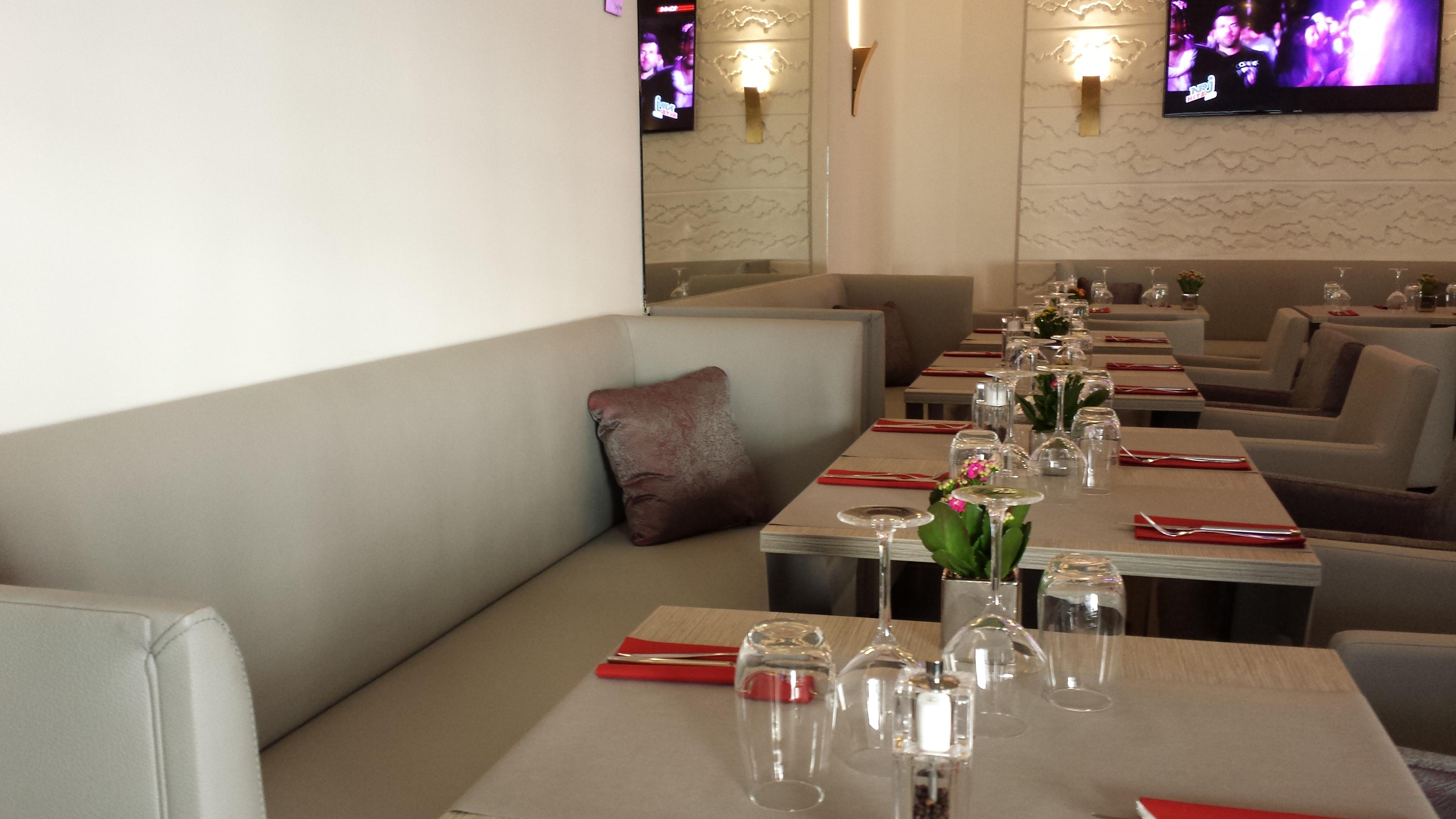 banquettes et tables 2IMAHL
